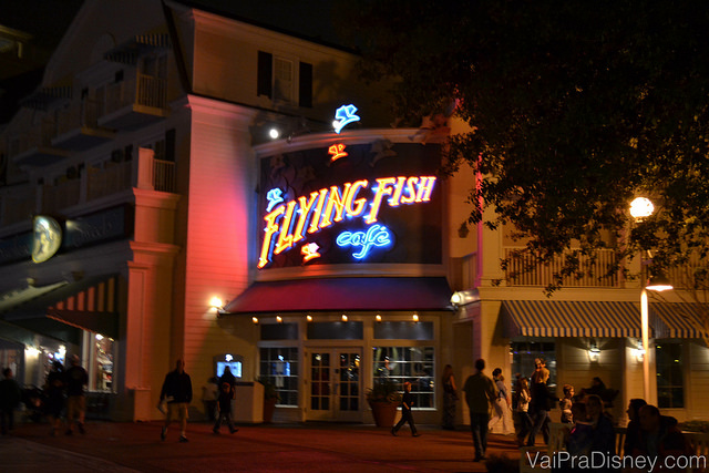 Entrada do Flying Fish, no Disney's Boardwalk.