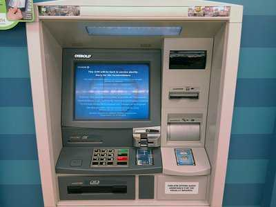 caixa eletronico atm dinheiro viagem