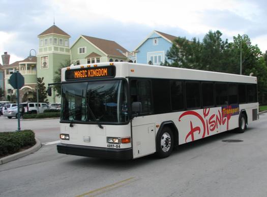 Transporte interno entre os parques, hotéis e Downtown Disney. Uma mão na roda e ainda por cima, sem pagar nada