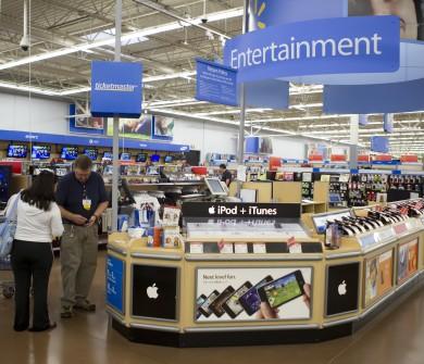 Departamento de eletônicos do Walmart. Não é uma BestBuy, mas é possível encontrar diversos produtos em promoção