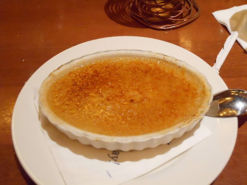 Le Cellier - Créme Brûlúe de Maple: um nome cheio de frufru e uma sobremesa aparentemente simples, mas na verdade é incrívelmente saborosa.