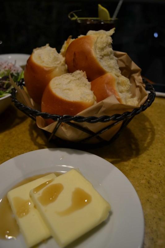 Pão perfeito do Garden Grill, já estou com saudades!