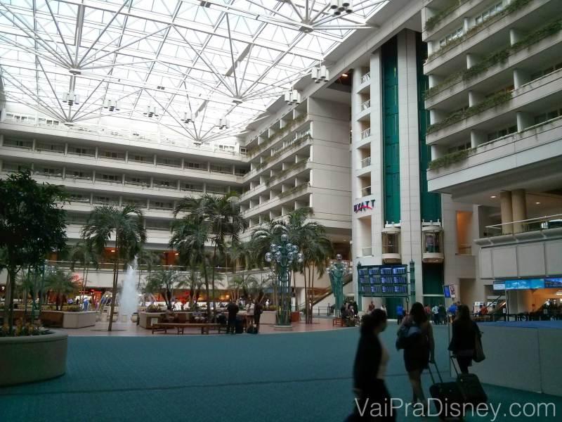 Saguão do aeroporto de Orlando