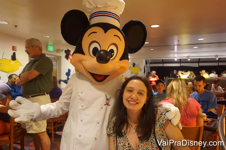 Quer tomar café com o ratinho mais famoso do mundo na sua primeira visita a Orlando? Reserve o quanto antes!