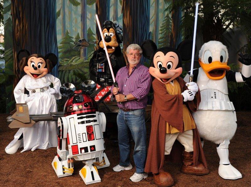Personagens da Disney a carater com o diretor do Star Wars, George Lucas