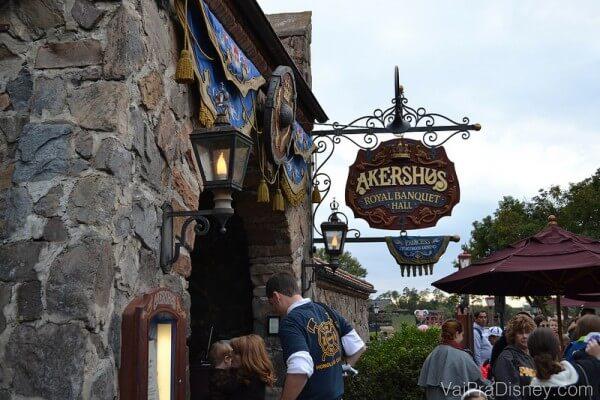 Entrada do Akershus, o restaurante no Epcot onde você encontra uma grande concentração de princesas por metro quadrado :)