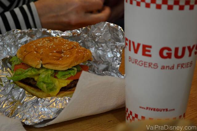 five-guys-sanduiche
