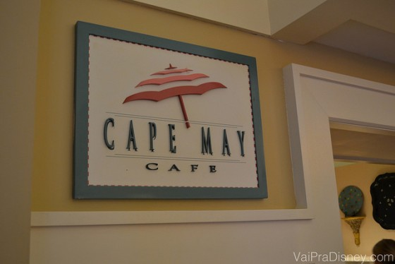 Placa na entrada do Cape May, no Disney's Beach Club Resort.