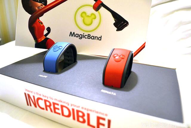 Caixa com as MagicBands que todos recebem quando fazem o check in no hotel da Disney