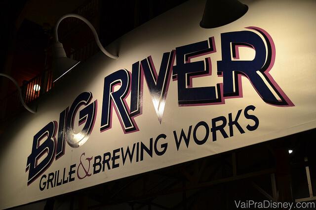 Placa do Big River Grille & Brewing Works no BoardWalk da Disney