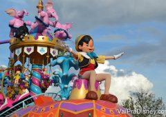 Diversos personagens aparecem nas paradas do Magic Kingdom.