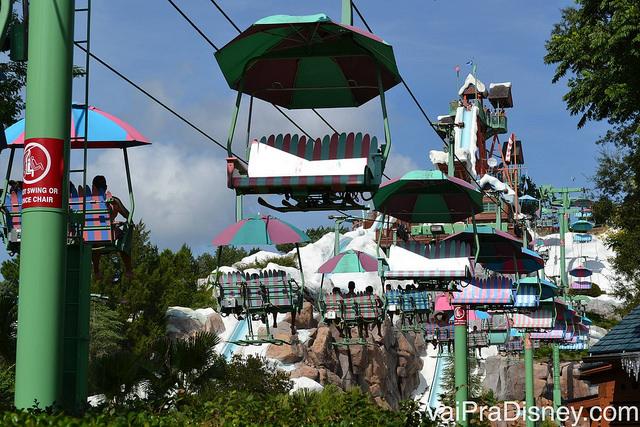Teleférico que te leva até o topo do Mount Gushmore no Blizzard Beach