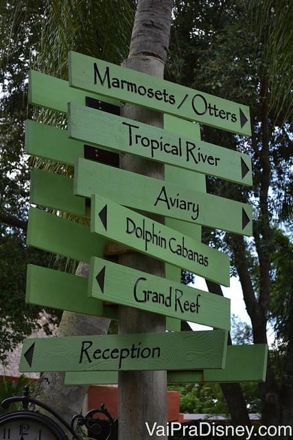 Placa indicativa dos pontos do Discovery Cove
