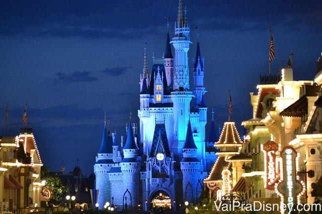 Precisei de muita prática até tirar essas fotos do castelo no Magic Kingdom