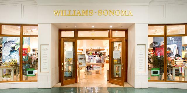 Foto da fachada da loja Williams-Sonoma em Orlando, que também vende itens de cozinha