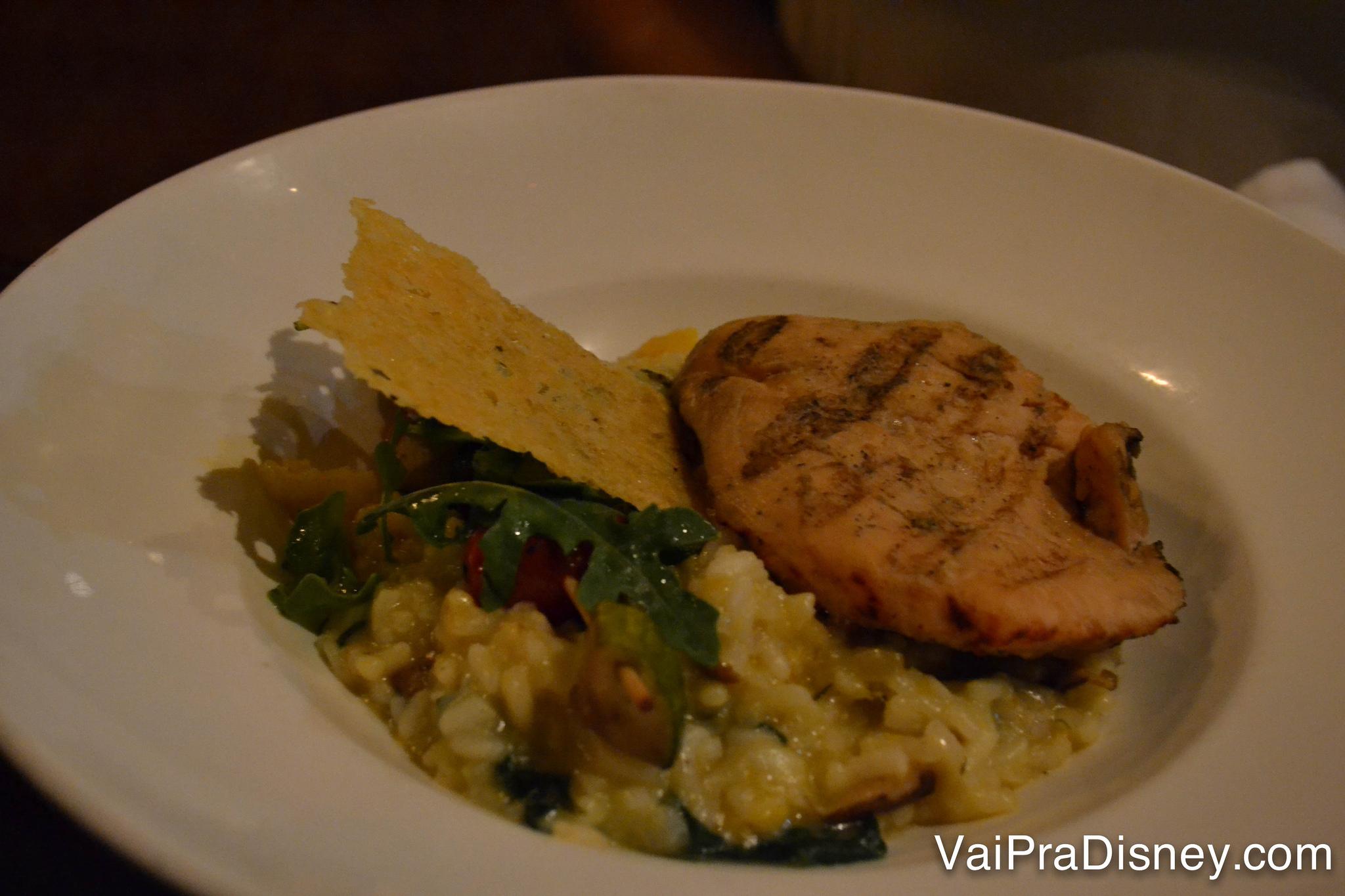 O risoto de ervilhas com frango