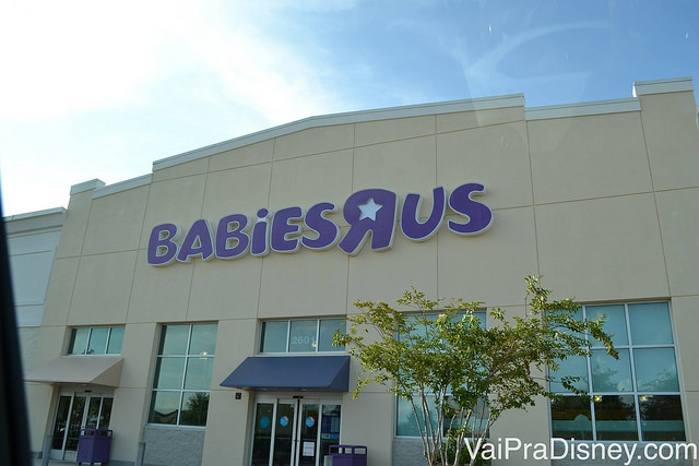 Foto da loja Babies R Us, paraíso dos enxovais em Orlando no The Loop