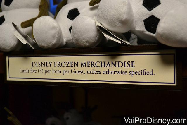 Para dar conta da procura de alguns produtos de Frozen, a Disney pode limitar a quantidade que cada pessoa pode comprar de alguns itens.