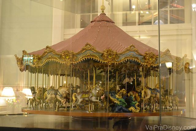 Outro detalhe lindo da decoração da recepção. Foto da decoração do BoardWalk Inn, que é uma maquete de um carrossel antigo.