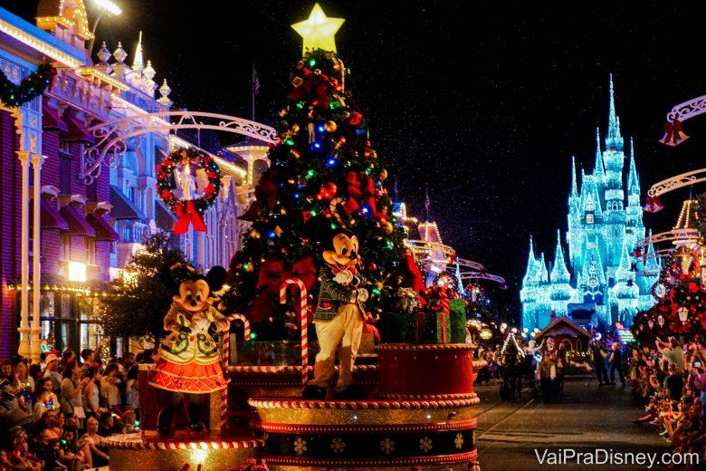 Se esta não é a festa mais linda da Disney, não sei qual é! Para quem vai em novembro e dezembro, não pode deixar de fora da programação