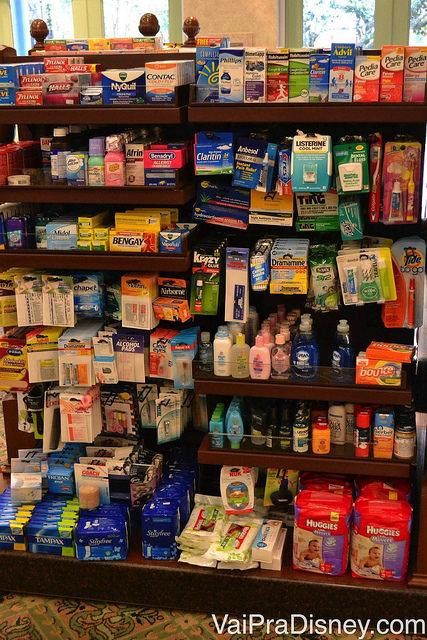 Mini-supermercado dentro da loja do hotel. Muito útil para uma emergência.