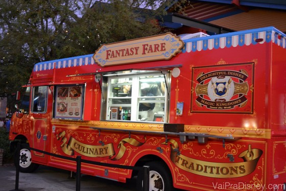 Foto do Fantasy Fare, o food truck de Disney Springs que traz comidas do Magic Kingdom