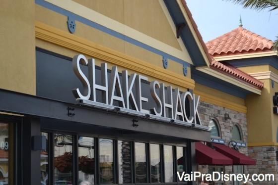 Placa e entrada do Shake Shack de Winter Park