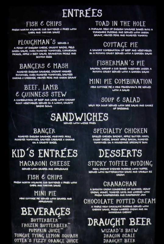 Foto do Cardápio do Caldeirão Furado, com entradas, sanduíches, bebidas e sobremesas