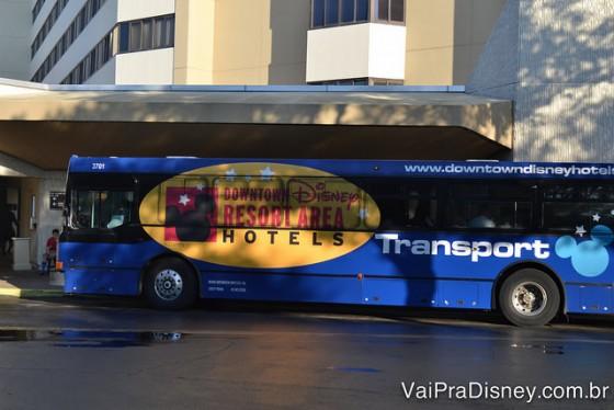 Ônibus oferecido gratuitamente pelo Hilton Lake Buena Vista, que já escrevemos aqui no blog.