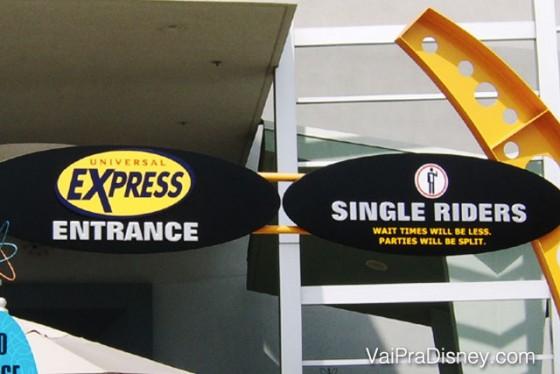 Entrada do Universal Express Pass na atração dos Homens de Preto no Islands of Adventure. Se a fila está grande, eu prefiro pegar a fila de 'single riders' ao invés de comprar o Express.