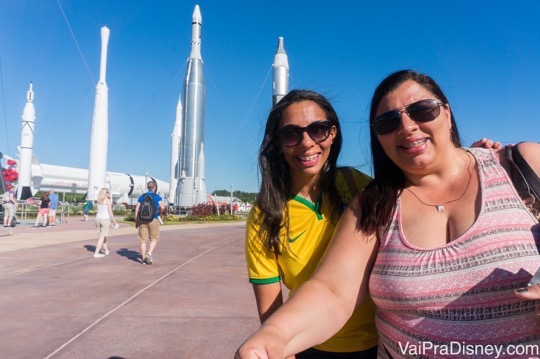Andréa e a filha Débora no Kennedy Space Center