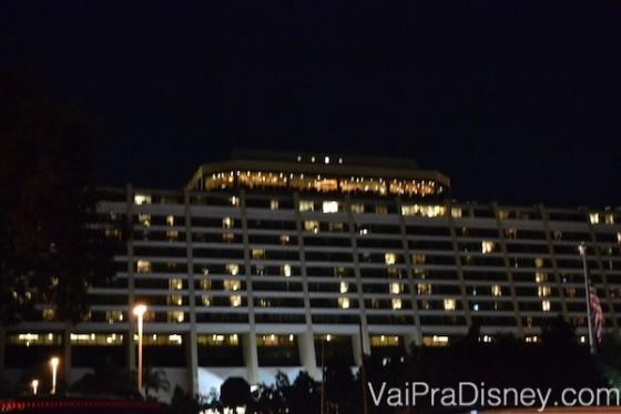 Tá vendo essa parte mais iluminada no topo do prédio do Contemporary? É lá que fica o California Grill.