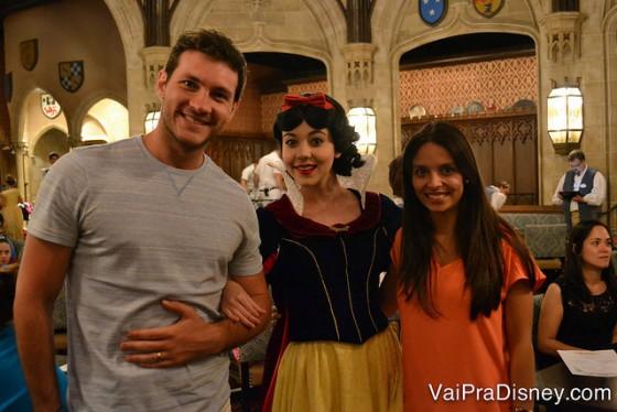 Rafa e Cati com a Branca de Neve.