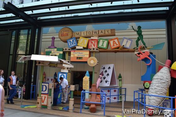 Toy Story Mania é um exemplo de atração que costuma ter fila o ano todo. Sempre vale usar um fastpass+ aqui.