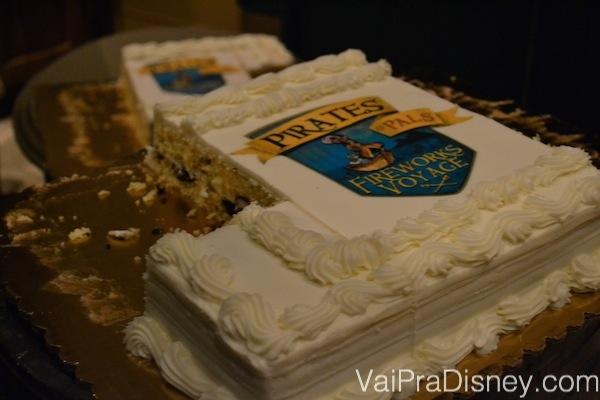 Foto do bolo decorado do Pirates & Pals Fireworks Voyage