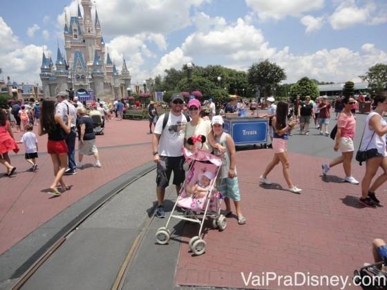 Família toda no Magic Kingdom