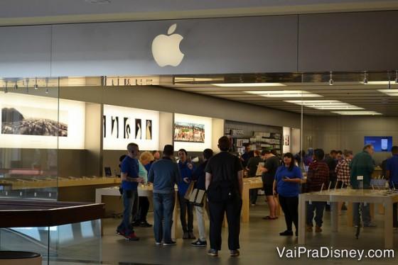 Apple do Altamonte Mall: cheia também, mas nem se compara com as de Orlando.