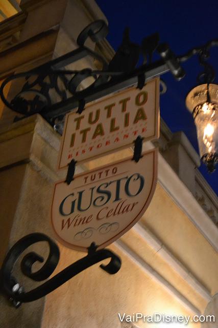 Todo mundo vai direto pro Tutto Italia e passa batido do Tutto Gusto Wine Cellar.