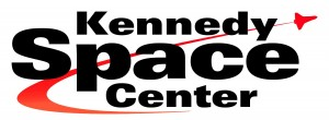 Foto do logo do Kennedy Space Center - parque da NASA em Cabo Canaveral, na Flórida