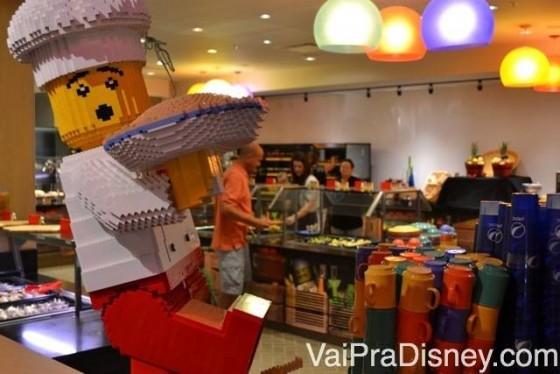 Decoração no Bricks, o restaurante do Legoland Hotel.
