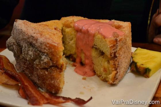 Sem palavras para explicar como a Tonga Toast é deliciosa!