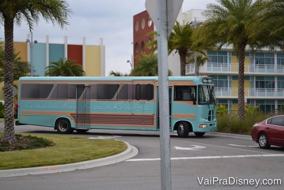 Ônibus da Universal, que liga os hóspedes dos seus hotéis até os parques e o CityWalk