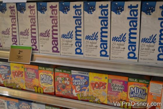 Tem até leite parmalat pra comprar!