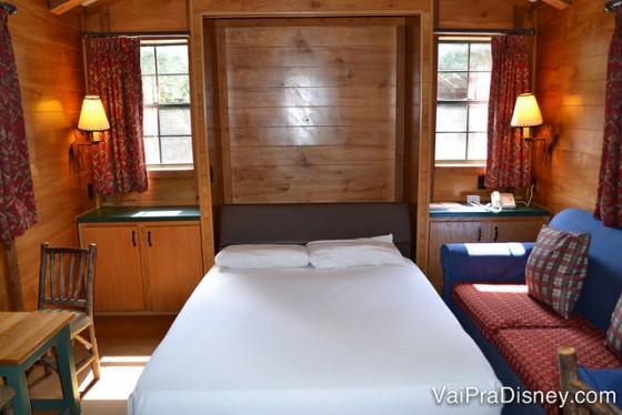 A cama de casal da sala aberta