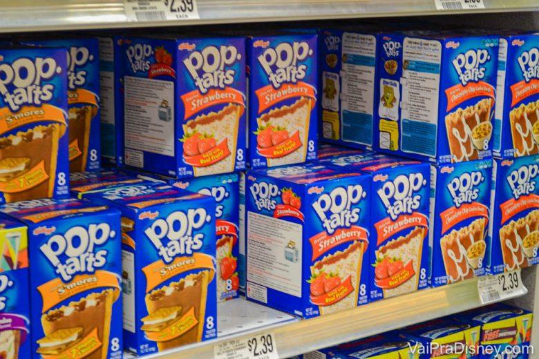 Foto das caixas de Pop Tarts na prateleira do supermercado