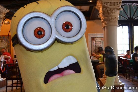 Um dos minions que aparece no café com personagens da Universal