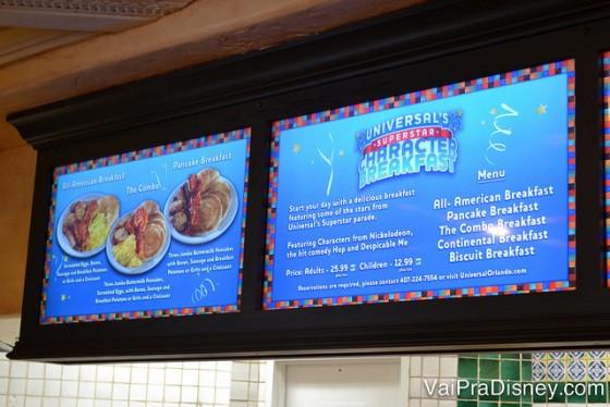 Foto do display eletrônico com o menu do café com personagens da Universal