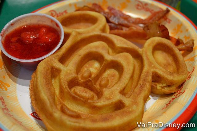 Café da manhã clássico dos hotéis da Disney.