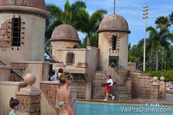 As piscinas e lagos são bem legais, então vale tentar marcar a visita para quando estiver calor.