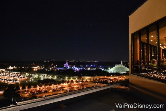 Magic Kingdom visto do terraço do California Grill.